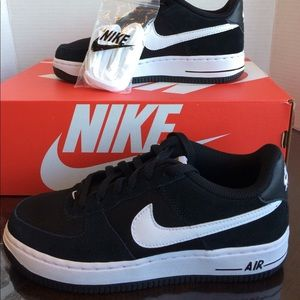 New Nike Air Force 1 Low Black white